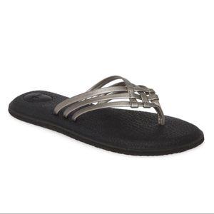 New Sanuk Yoga Salty Flip Flop Pewter Silver, 6